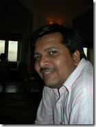 Ravi looking very Bollywood