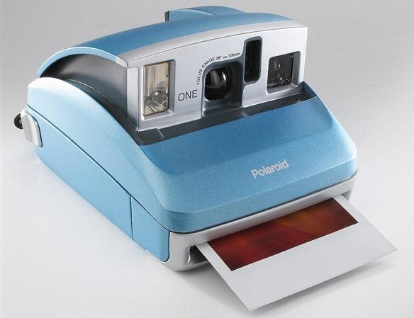 Polaroid%20600%20Camera%20-sml